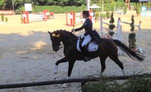 Ann-Kristin Vetter bei der Siegerrunde in Oberbachem. (Foto: privat)