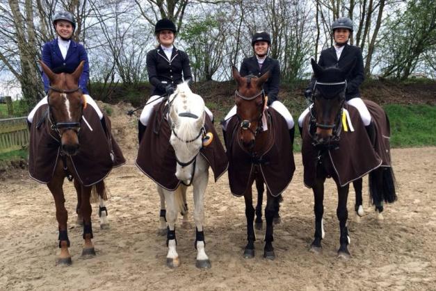 Die erfolgreiche Springmannschaft des RV Enzen-Euskirchen. Foto: privat